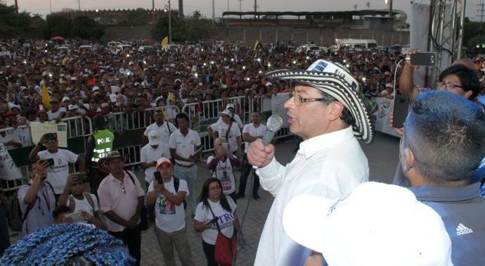 12 denuncias contra Petro por adelantarse en campaña presidencial
