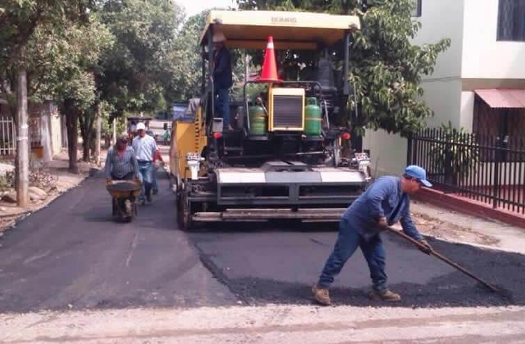 Mesas de trabajo para definir incremento del asfalto