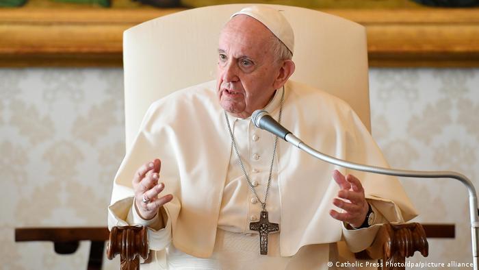 Papa Francisco afirma que aún existe la esclavitud de la mujer