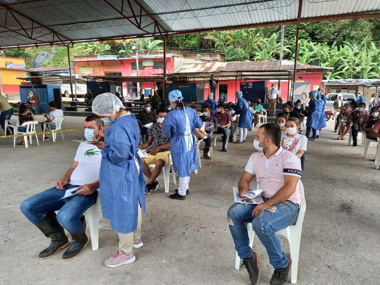Se han inmunizado a 1.000 personas en zona rural de Neiva