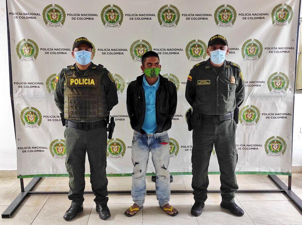 Con un cuchillo le robó un celular en Campoalegre