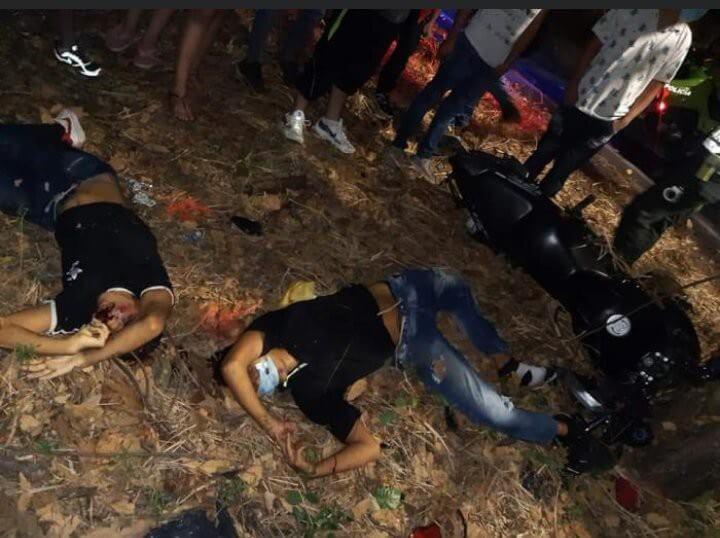 Dos jóvenes fallecieron tras colisionar contra un árbol vía El Caguán