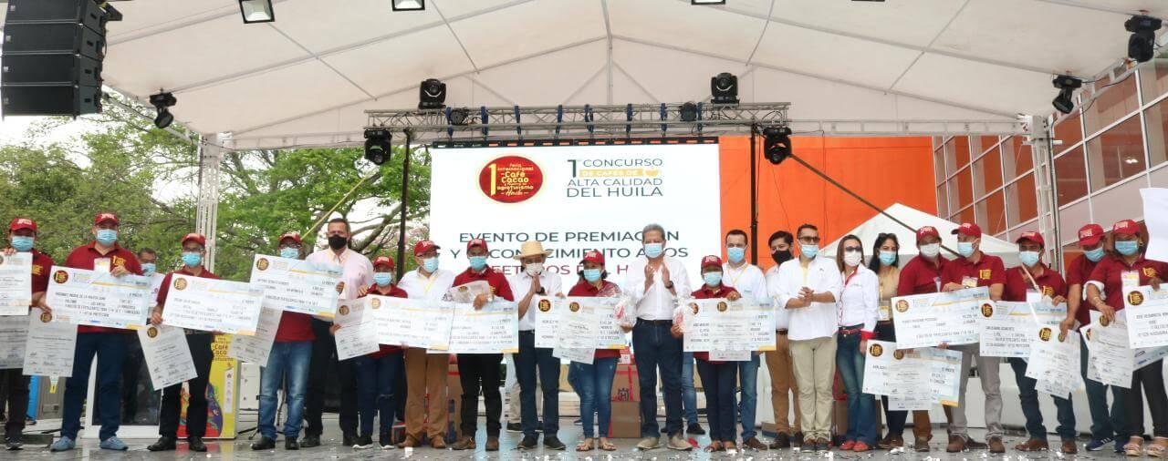 Mujeres cafeteras del El Pital y Tello, ganaron el concurso al mejor café del Huila