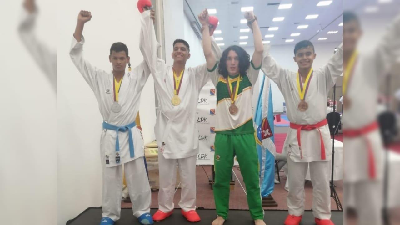 Dos medallas de bronce consiguieron deportistas de Karate del Huila en San Andrés