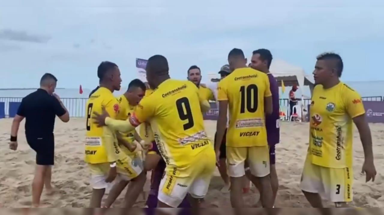 Triunfo de la Selección Huila de fútbol playa ante Magdalena