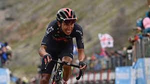 Egan Bernal y Daniel Felipe Martínez sufrieron dura caída en el inicio de la Vuelta a Burgos
