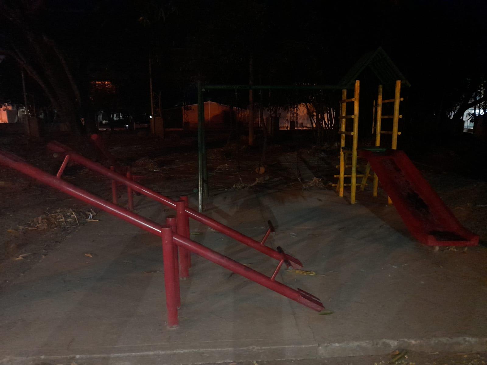 Comunidad solicita la iluminación del parque