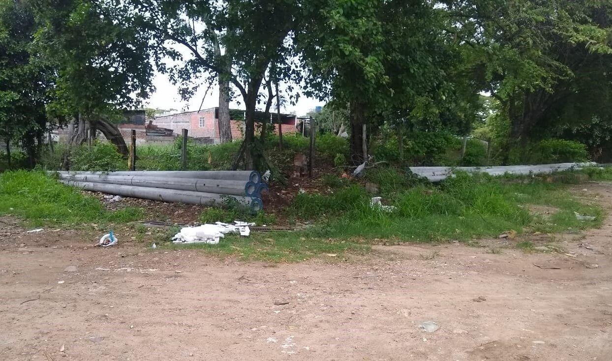 Lote en Rojas Trujillo, un problema de 'engorde´ para los vecinos