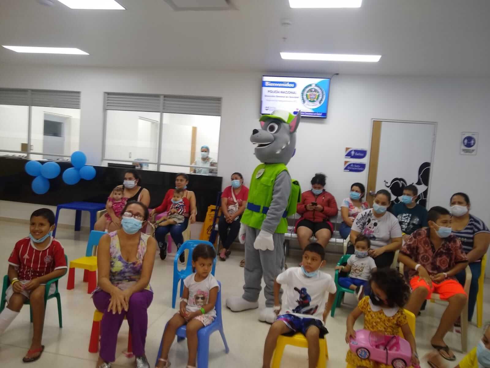 Proyección social llegó a la unidad de hospitalización pediátrica del HUN