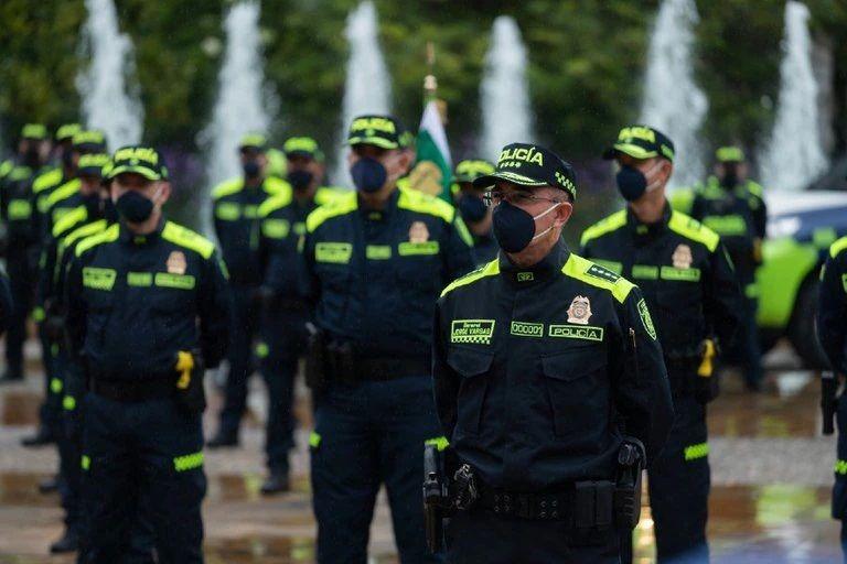Inició el cambio de uniforme de la Policía Nacional