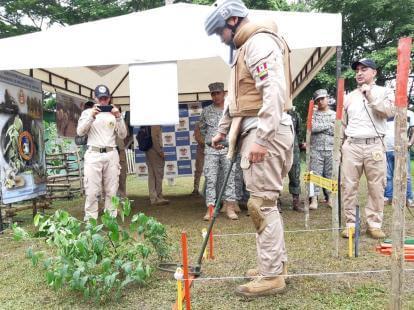 La Armada entregó cuatro nuevas áreas libres de minas antipersonales
