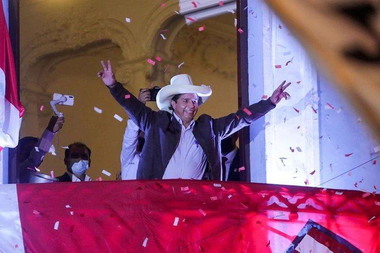 Perú: el jurado electoral oficializó los resultados y Pedro Castillo es el nuevo presidente